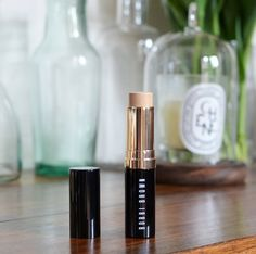 fond_de_teint_stick_bobbi_brown