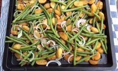 Heerlijke aardappel en sperziebonen schotel. Simpel te maken. Helemaal als je al voorgegaarde krieltjes gebruikt. Hoe makkelijk kan het zijn en super lekker.