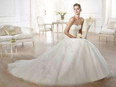 Pronovias Tulle Olybeth Traditional Wedding Dress Size 8 (M) off retail Pronovias Wedding Dress, Lace Wedding Dress, White Wedding Gowns, Wedding Dresses 2014, Wedding Dress Sizes, Bridal Dresses, One Shoulder Wedding Dress, Elie Saab, Glamour