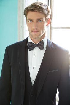 Heath Hutchins / Groom in Tuxedo