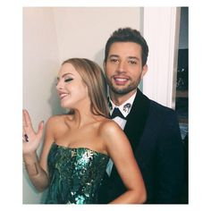 "Polubienia: 329.3 tys., komentarze: 1,158 – Elizabeth Gillies (@lizgillz) na Instagramie: ""New #Dynasty this Friday!! Lotta fun with @rafaeldlf in this one. Also, I'm incredibly tan in it. 2…"""