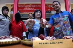 Waspada ! Daging Sapi Dipalsu Jadi Daging Babi dan Celeng Beredar di Pasaran Tribratanews Polda Jatim
