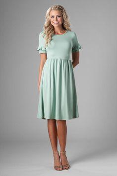 732dab0353b Modest pleated skirt bridesmaid dress