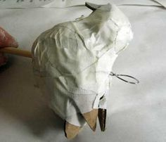 how to make a paper mache bird! - well who knew it was so easy?! i have lost ALL respect for paper mache-ers!
