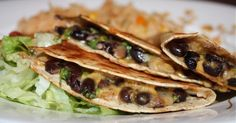 BLACK BEAN AND CILANTRO QUESADILLAS - http://recipeslite.com/2016/05/black-bean-and-cilantro-quesadillas/