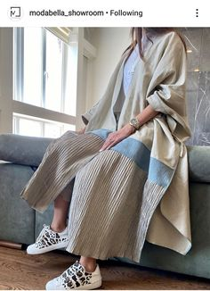 Abaya Fashion, Muslim Fashion, Kimono Fashion, Modest Fashion, Mode Abaya, Mode Hijab, Abaya Designs Latest, Iranian Women Fashion, Womens Fashion