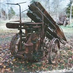 Alabama man restores a 1934 McCormick-Deering corn binder and puts it to work. Small Tractors, Old Tractors, Vintage Farm, Vintage Trucks, Agricultural Implements, Farming Technology, Farm Pictures, Farm Tools, New Farm