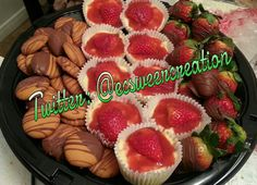 Dessert platter: strawberry cheesecakes,  chocolate covered strawberries, chocolate dipped vanilla wafers Dessert Platter, Covered Strawberries, Chocolate Dipped, Cheesecakes, Acai Bowl, Vanilla, Strawberry, Sweets, Breakfast