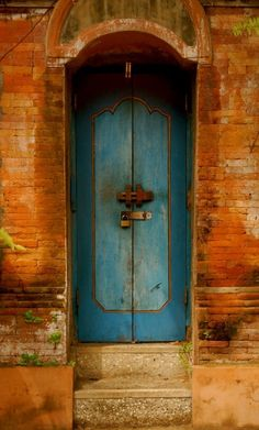 #Doors from around the world inspiration for your #renovation project - Ubud, Bali, Indonesia http://www.myrenovationstore.com Please Repin - Thank You:)