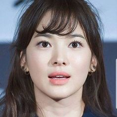Love how her smoothly arched brows give a so nice feminine look to her face. Asian Makeup, Korean Makeup, Korean Beauty, Asian Beauty, My Beauty, Beauty Makeup, Hair Makeup, Hair Beauty, Song Hye Kyo Style