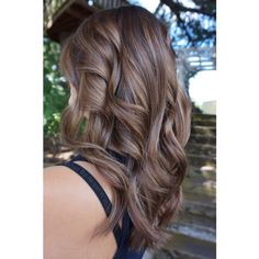 Brunette balayage with caramel and hazelnut tones. Ecaile or tortoise shell color