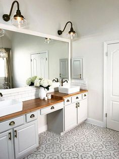 60 Fantastic Farmhouse Bathroom Vanity Decor Ideas And Remodel. If you are looking for 60 Fantastic Farmhouse Bathroom Vanity Decor Ideas And Remodel, You come to the right place. Bathroom Vanity Decor, Bathroom Styling, Bathroom Interior Design, White Bathroom, Bathroom Flooring, Bathroom Ideas, Bathroom Organization, Bathroom Designs, Bathroom Storage