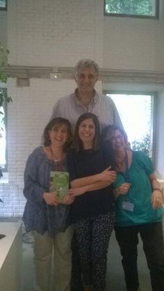 Nuestras bibliotecarias de altura con Fernando Romay y la escritora María Solar