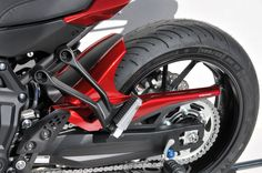 Twin colors rear fender with chain guard