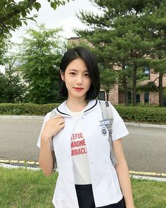 Korean Beauty Girls, Cute Korean Girl, Teen Web, Kim So Hyun Fashion, Teen Images, K Drama, Shot Hair Styles, Female Character Inspiration, Uzzlang Girl