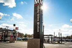 You're just minutes away from the Shady Grove Metro station when you live at Mallory Square!