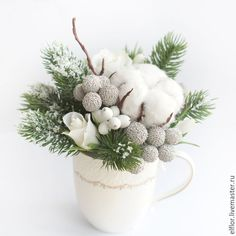 beautiful combination of plants and flowers for winter arrangement in a cup Christmas Flower Arrangements, Christmas Flowers, Winter Flowers, Noel Christmas, Winter Christmas, Handmade Christmas, Christmas Wreaths, Christmas Crafts, Winter Floral Arrangements