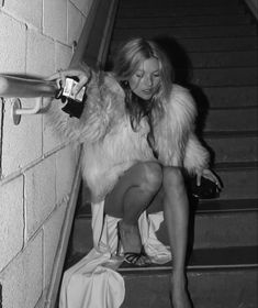 Black And White Picture Wall, Black N White, Black And White Pictures, Black And White Instagram, Foto T Shirt, Wow Photo, Moda Vintage, Retro Vintage, Street Chic