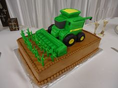 John Deere Combine a combine with a corn header for a groom who farms Birthday Cakes For Men, Cakes For Boys, Cake Birthday, Birthday Wishes, Cake Pops, Computer Cake, John Deere Combine, Rodjendanske Torte, Cake Pop Displays
