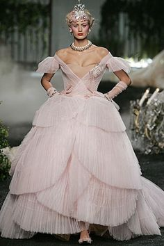 Christian Dior Fall 2005 Couture collection.