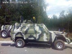 Национальная Гвардия Украины получила на вооружение новые бронемашины КрАЗ «Кугуар», произведенные Кременчугским автозаводом на базе внедорожника Toyota Land Cruiser.