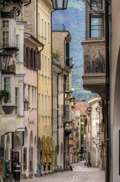 1lifeinspired:  Merano - South Tyrol - Italy (von Wolfgang Staudt)