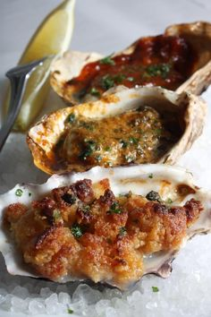 Grilled oysters three way ; Crab And Lobster, Fish And Seafood, Shellfish Recipes, Seafood Recipes, Smoker Recipes, Cooking Recipes, Grilled Oysters, Louisiana Seafood, Seafood