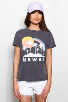 Stop the search. We found it. The best distressed Hawaii tee is here! She's perfect for grabbing a quick bite with your best friend from school before you squeeze in a roller coaster ride on the pier.