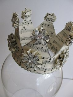 i totally need this Paper Crown Mini by VintageDiana on Etsy, $30.00