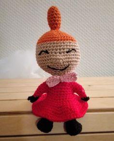 Little My from Moomin – free pattern – Katrine Klarer Amigurumi Patterns, Knitting Patterns, Crochet Patterns, Little My Moomin, Knit Crochet, Crochet Hats, Cardboard Toys, Thick Yarn, Easy Knitting