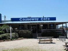 I Causeaway Cafe in #Wrightsville Beach I Locally owned breakfast spot I