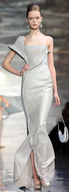 Armani Privé...had this picture before on an actress, but now it is a front view. Gorgeous dress!