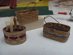 Dollhouse Miniature Furniture - Tutorials   1 inch minis: how to make miniature baskets from paper