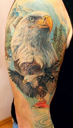 50 Amazing Perfectly Place Eagle Tattoos Designs With Meaning - Traditional eagle tattoo designs for men and women - Bald Eagle Tattoos, Eagle Head Tattoo, Head Tattoos, Body Art Tattoos, Sleeve Tattoos, Tattoo 2016, Native Indian Tattoos, Eagle Shoulder Tattoo, Traditional Eagle Tattoo