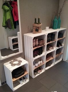 Here we offer you a nice white box for storing (for example) shoes. Combine this new box with other models and create your own custom shelf.Dimensions:L: 50 cmB: 40 cmH: 30 cm Home Projects, Home Crafts, Diy Home Decor, Pallet Furniture, Furniture Makeover, Wooden Crate Furniture, Home Organization, Organizing, Wooden Boxes