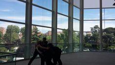 Los Teatros del Canal de la Comunidad de Madrid invitan a amantes de la danza a celebrar el Día Internacional de la Danza, este 29 de Abril, con Danzas súbitas, microdanzas imprevisibles creadas para la ocasión que sorprenderán a los asistentes durante  su visita a los Teatros del Canal.