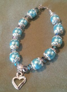 Light blue pearl bracelet