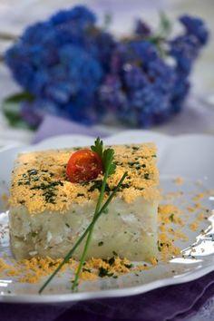 Pudim de peixe com batata  TeleCulinária 1840. Disponível em formato digital: www.magzter.com Visite-nos em www.teleculinaria.pt