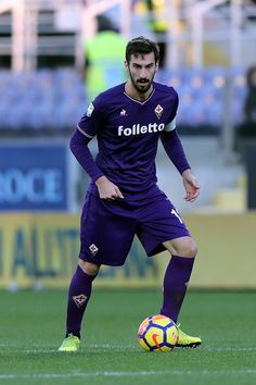 Davide Astori of ACF Fiorentina in action during the Serie A match betweenACF Fiorentina and Genoa CFC at Stadio Artemio Franchi on December 17, 2017 in Florence, Italy.