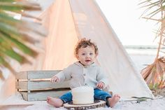Kasi and her husband love hiking and the great outdoors so what better way to celebrate bringing their son into the world than a woodsy themed baby shower! Winter Birthday, Happy Birthday, Woodsy Baby Showers, Dunedin Florida, Family Beach Session, Honeymoon Island, Clearwater Beach, Woodland Baby, Husband Love