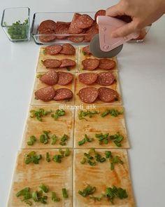 """7,482 Beğenme, 91 Yorum - Instagram'da lezzet-i_ask (@lezzeti_ask): """"Hayırlı akşamlar en pratiğinden börek yapmak istermisiniz Milföyler her zaman en dar zamanlarda…"""" Turkish Recipes, Ethnic Recipes, Bread Baking, Street Food, Catering, Waffles, Sausage, Food Porn, Dishes"""