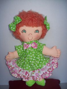 A 15 inch bright-eyed sweetie soft stuffed doll with yarn hair.   Very fast and easy to make.  This is a pattern ONLY and not a completed doll.  This is a downloadable PDF that will be emailed to you within 1-2 days of receipt of payment.