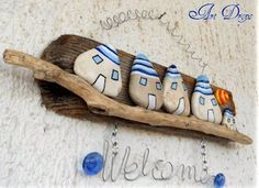 driftwood and pebbles Pebble Painting, Pebble Art, Stone Painting, Rock Painting, Painted Driftwood, Driftwood Art, Driftwood Projects, Rock And Pebbles, House On The Rock