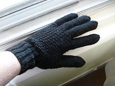 Men's Gloves by Jaeger Hand-knit  ~  FREE pattern
