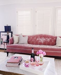 Pink Tufted Couch Is What Living Room Dreams Are Made Of!