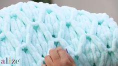 Baklava Battaniye Nasıl Yapılır? , , Değişik bir ip , değişik bir örgü tekniği. Elde örgü modelleri ile ilgilenenler bu ipi düşünebilirler. Bebek battaniyesi örgü modelleri ...