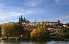 Castelo de Praga, na República Tcheca. Símbolo nacional, foi erguido a partir do século IX, mas ganhou suas atuais feições entre os séculos XIV e XVI, quando serviu de cenário para as batalhas de unificação.  Foto: Wikimedia Commons / Stefan Bauer.