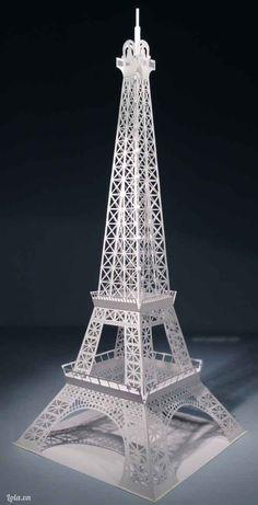 3d. Eiffel tower. 3d Tour the Eiffel a Paris.  3d  Eiffel toren van Parijs.  Free template in PDF