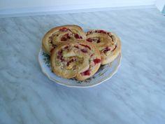 Pudingos csiga Pancakes, Breakfast, Food, Morning Coffee, Pancake, Meals, Yemek, Eten, Crepes