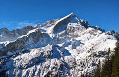 The skiing is still well under the Alpspitze in Garmisch-Partenkirchen. The weather is great - ski fun 100 percent!